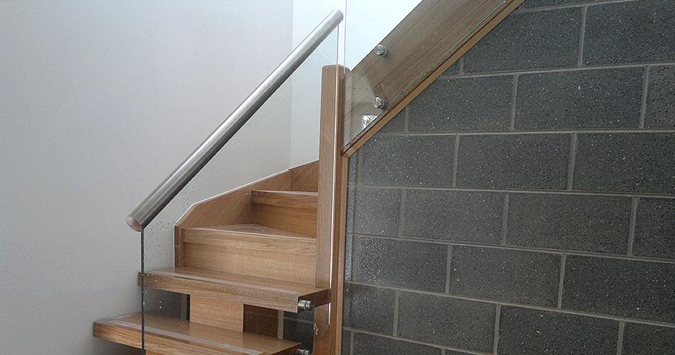 clear-bal-round-metal-handrail