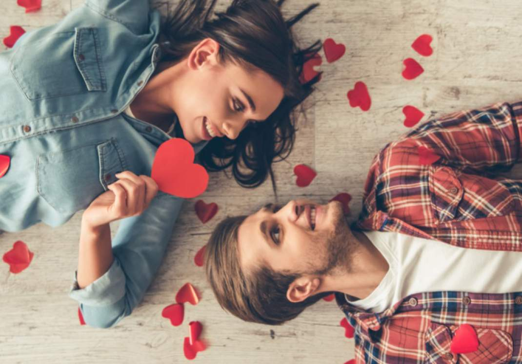 Ideas to Throw Romantic Party to celebrate Years of Togetherness