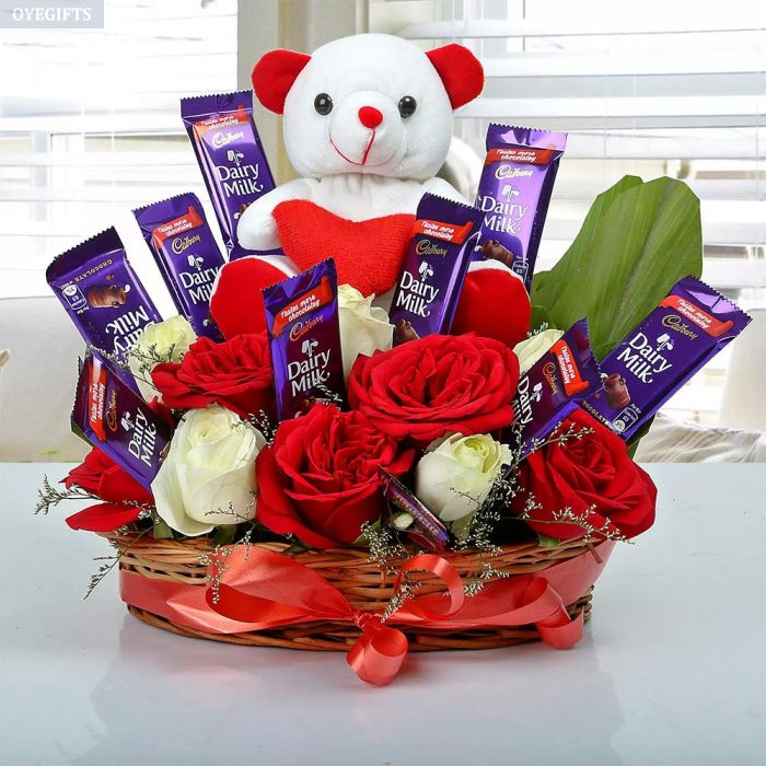 Bring a smile on the face of your loved ones by sending gift hampers online